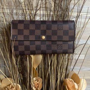 Louis Vuitton Damier wallet 🐻✨⚜️
